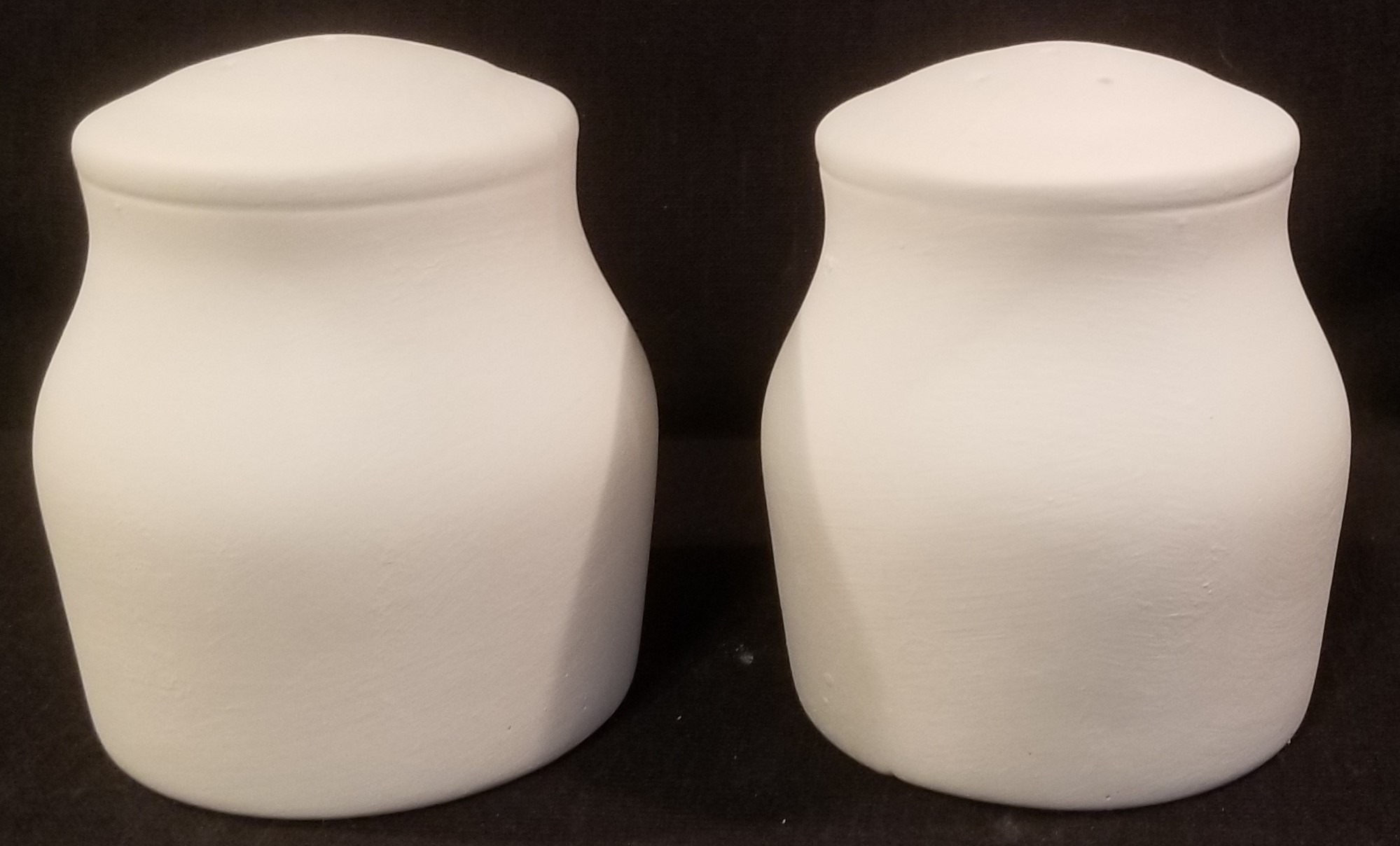 Salt and pepper shakers - plain